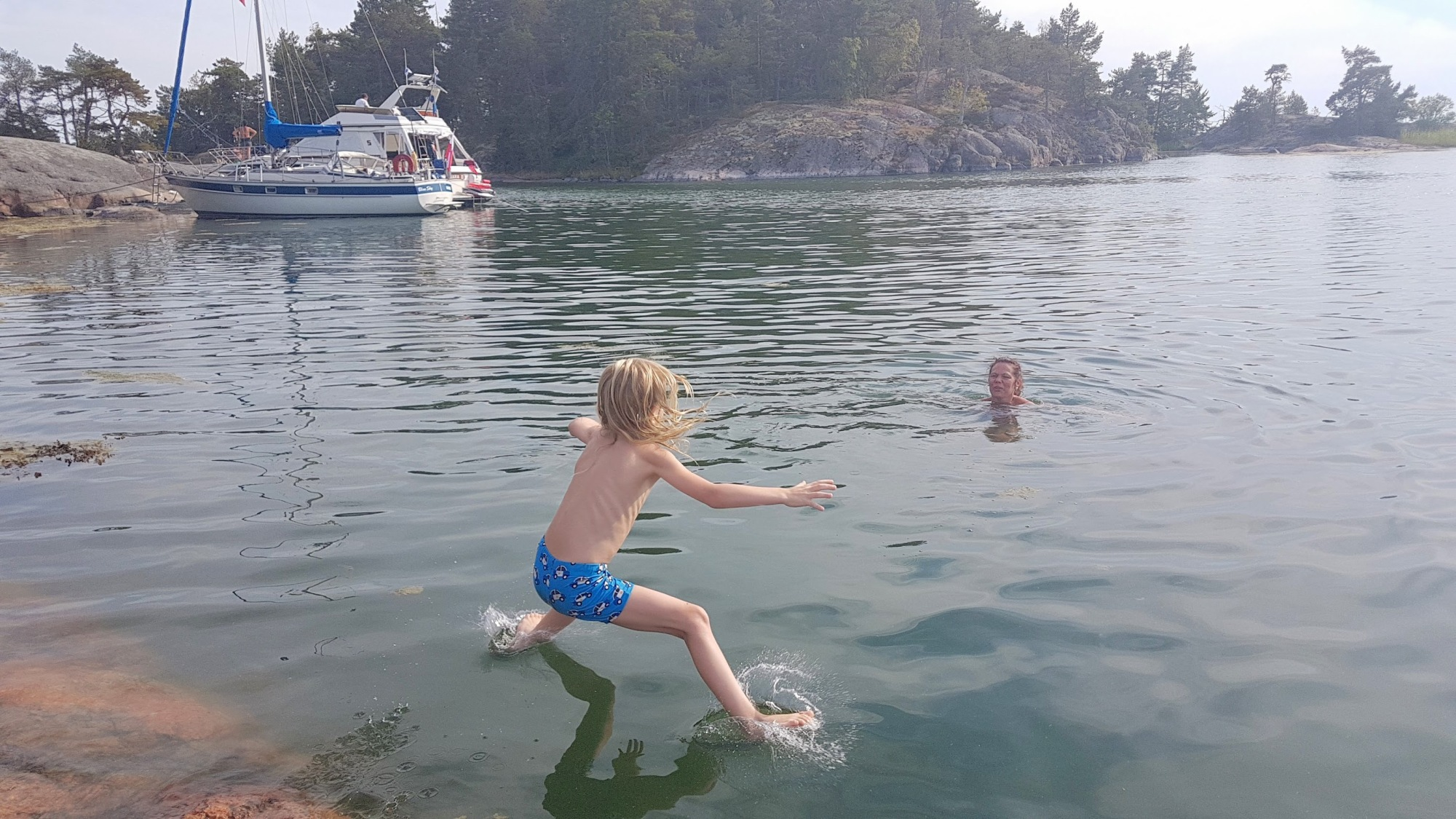 """""""Med god tro och stora skor kan man gå på vattnet"""" - Dag 18 av 365"""